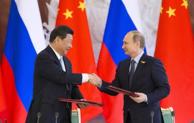 Yutong renforce la mobilité mondiale grâce à la qualité chinoise à l'occasion du 70e anniversaire des relations diplomatiques sino-russes